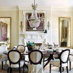 yemek odası uzun varak aynalar ile zengin bir görünüm
