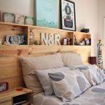 ahşap palet ile tasarlanmış özel bir yatak başı