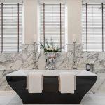 mermer banyolarda siyah küvet şıklığı