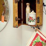 vintage bavulları duvarda dekoratif dolap olarak kullanabilirsiniz