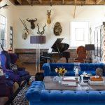 renkli iç mekan dekorasyonu chester koltuk rahatlığı