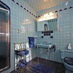 retro tarzı mavi turkuaz renkleri ile etkileyici banyo dekorasyonu