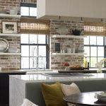 tuğla duvarlı modern mutfak dekorasyonu