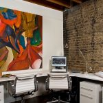 eskitilmiş tuğlalar ile ofis duvar dekorasyonu