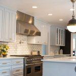 endustriyel eğilimli mutfaklar için zarif metro fayanslar