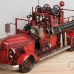 kırmızı nostaljik itfaiye arabası