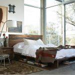 ahşap detaylı muhteşem endüstriyel yatak odası