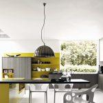 gri ve sarı ile modern tasarım mutfak