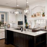 klasik amerikan tarzı beyaz mutfak dekorasyonu