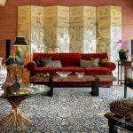 klasik salon dekorasyonu için kırmızı kanepe seçimi