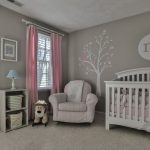 pembe gri bebek odası dekorasyonu
