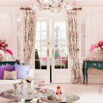 rengarenk kadınsı salon dekorasyonu
