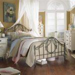 romantik yatak odası dekorasyonu
