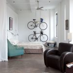 yatak odasında bisiklet dekoru