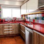 renkli fayanslar ile dinamik mutfaklar