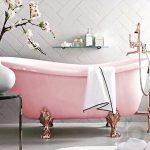 dekoratif pembe banyo küveti