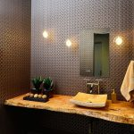 ahşap tezgahlar ile banyo dekorasyonu