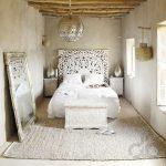 beyaz tonları ile doğal yatak odası dekorasyonu