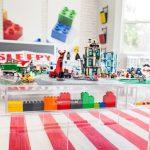 çocuk odasında eğlenceli lego teması