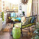 ferforje mobilyalar ile şık bir balkon