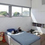 tuğla duvarlar ile çocuk odası dekorasyonu