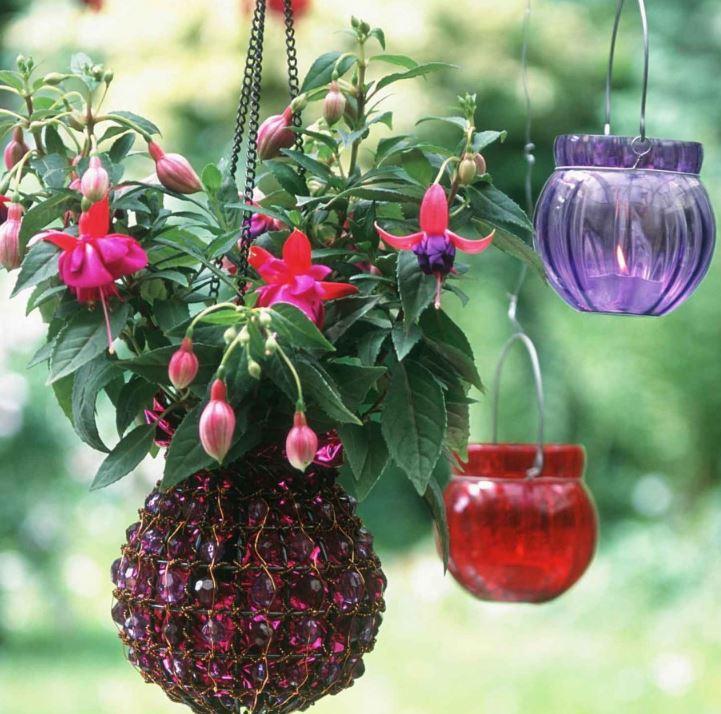 yaz için bahçe dekorasyonu