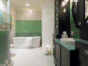 Yeşil beyaz banyo modeli