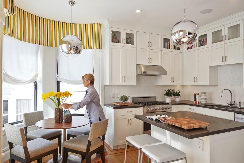 etkili mutfak temizliği için aile bireylerinden yardım alın.