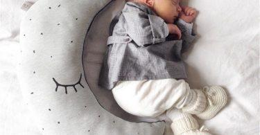 Ay Figürlü Dekoratif Yastık