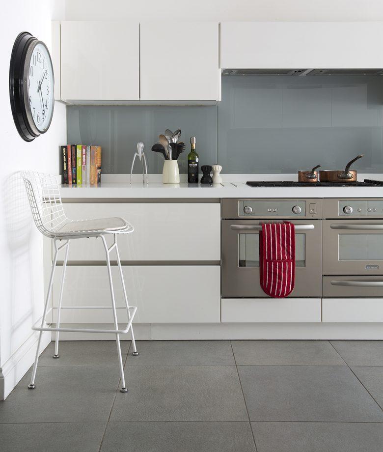 Beyaz mutfak mobilyaları 2018 yılı dekorasyon renkleri arasında sıkça kullanılan tercihler arasında olacağı muhtemelerdir.
