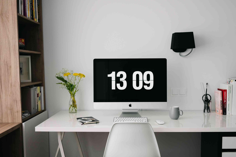 Modern Beyaz Çalışma Masası
