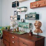 eski bavullar ile duvar dekorasyon fikirleri