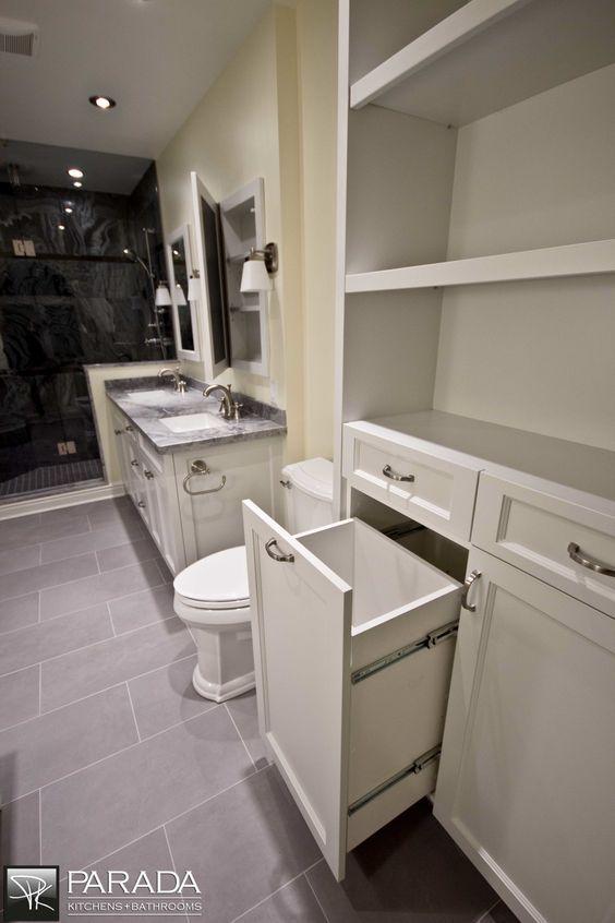 Çekmece ve açık raf sistemli banyo dolabı