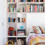 yatak arkası raf duvar fikirleri