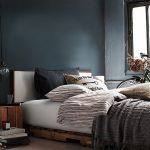 ahşap palet ile yatak odası dekorasyon fikirleri
