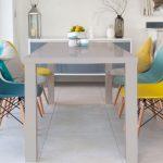 renkli modern eames sandalye modelleri