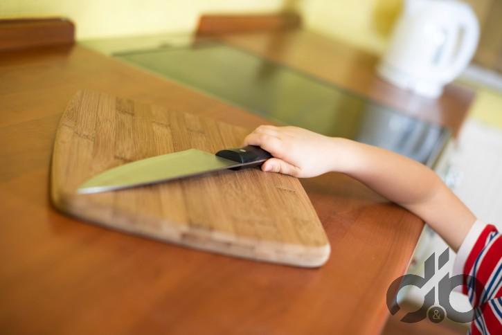 çocukları mutfakta bekleyen tehlikeler