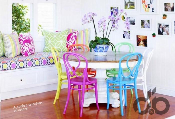 renkli sandalye modelleri mutfak için