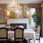 yemek odasında zarif çiçek desenli duvar kağıdı