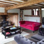 estetik pembe chesterfield kanepe tasarımı