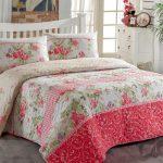 en guzel cicek desenli yatak örtüleri