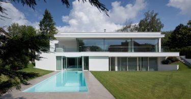 beyaz havuzlu modern villa tasarımı