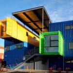 renkli konteynerler ile modern ev tasarımı