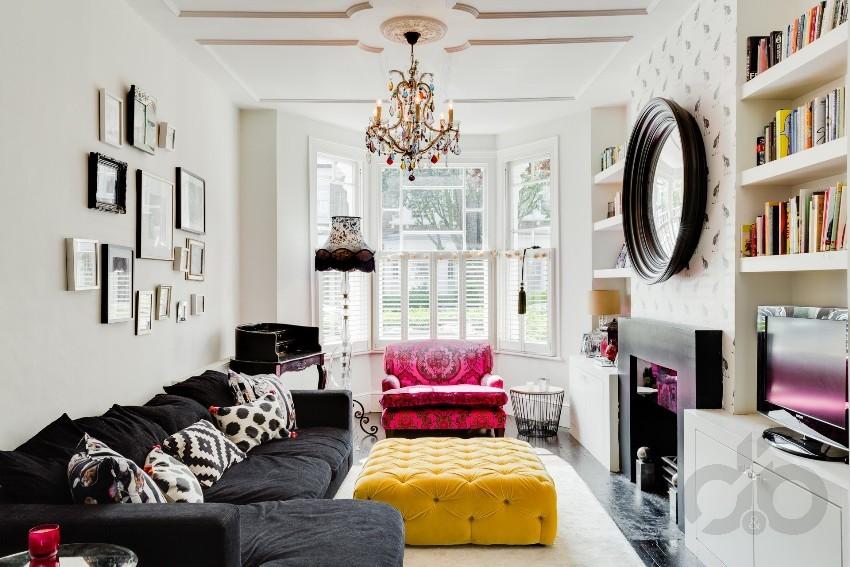 tarzı ile etkileyici renkli salon dekorasyonu