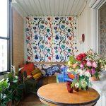 renkli dinamik küçük balkon dekorasyonu