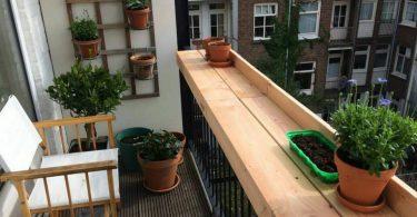Önemli : Eğer balkon zeminine ahşap kaplama tarzı bir uygulama yapacaksınız, ahşabın mutlaka yağmur ve yoğun güneş gibi doğa olaylarına karşı başa çıkabilecek nitelikte olmasına dikkat etmelisiniz.