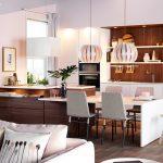Ada Mutfak İle Bütünleşmiş Masa