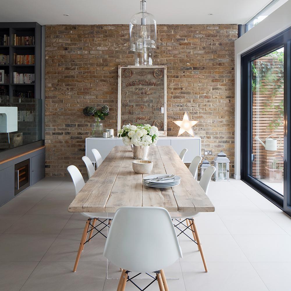 Ahşap ve Modern bir yemek odası