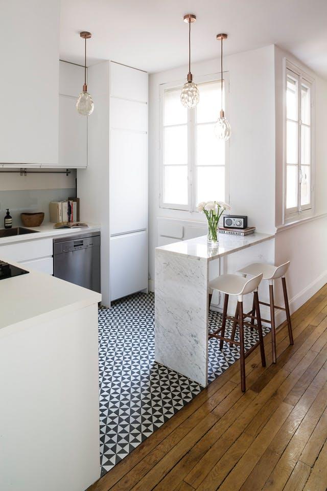 Küçük Mutfaklar için genellikle uygun renkler açık tonlardan oluşan renklerdir