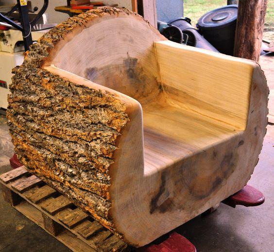 Ağaç Kütüğünden yapılmış dekoratif koltuk
